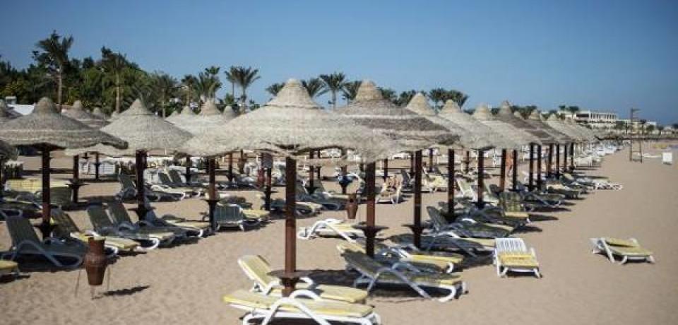 Турпоток падает, отели распродаются. Как Египет и Турция живут без туристов
