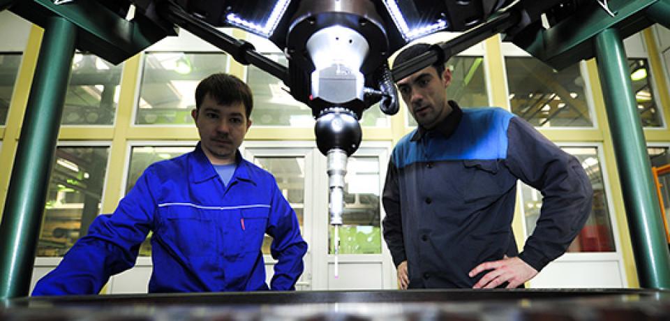 Обрабатывающая промышленность России упала рекордными засемь лет темпами