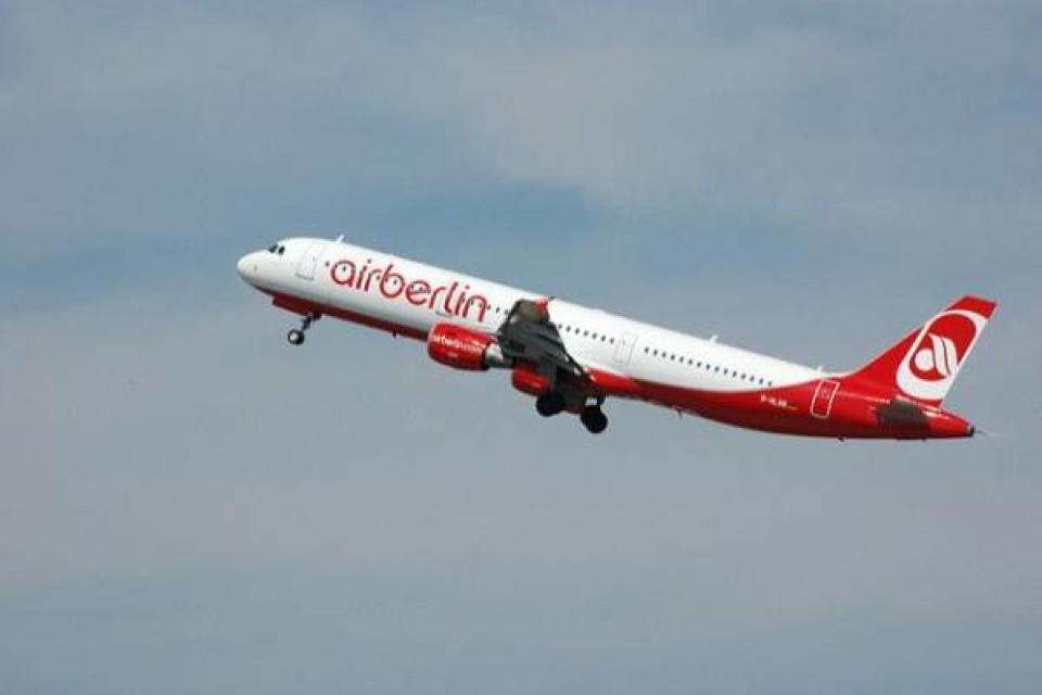 Air Berlin уволит тысячу сотрудников и сократит самолетный парк — СМИ