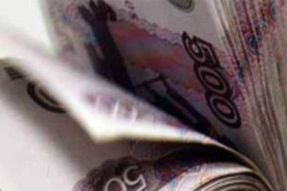 Реальная зарплата россиян выросла в июне на 2,9%