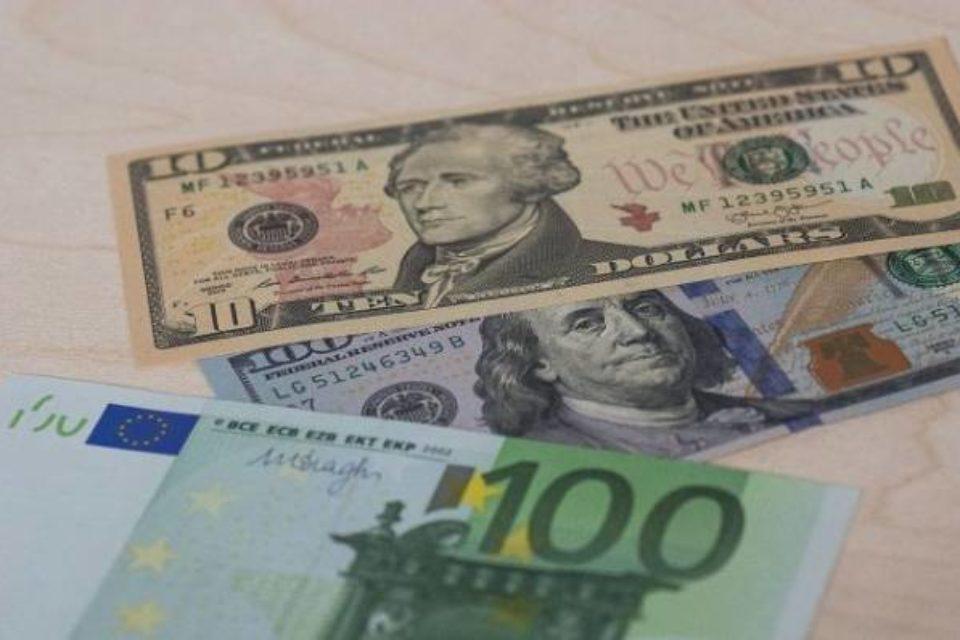 Евро упал ниже 70 рублей