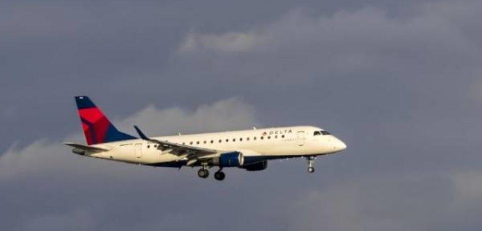 СМИ: бортпроводники Delta Air Lines обвинили компанию в антисемитизме