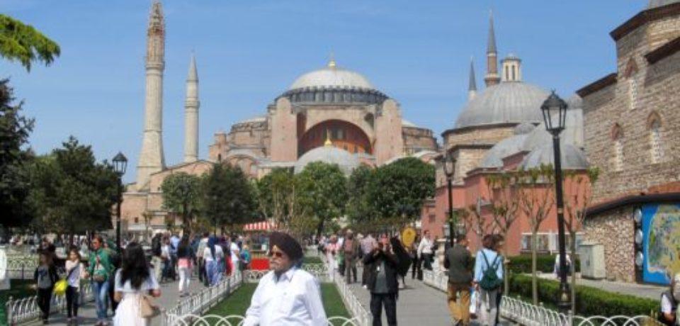 Владимир Путин расссказал о многократном увеличении числа туристов из России в Турцию