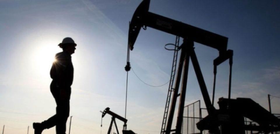 После снижения нефть вновь пошла вверх